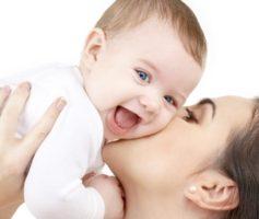 Зачем ребёнку мамин массаж?